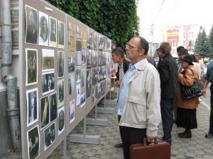 """Ziua Holocaustului în România: """"Să ne amintim, să împărtăşim, să ne asumăm, să cunoaştem..."""""""