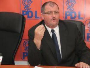 Senatorul Onofrei: PSD nu a apucat încă să se şteargă la gură după masa de la guvernare