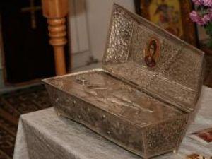 """Moaştele Sf. Gheorghe vor rămâne în Biserica """"Sf. Cuvioasa Parascheva"""", din cartierul Obcini, până pe 22 octombrie"""