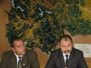 Prefectul judeţului, Sorin Popescu, l-a instalat oficial în funcţie pe Mihai Miheţiu