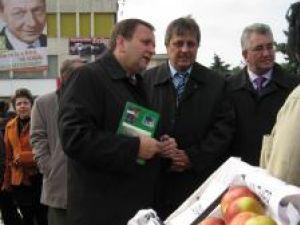 Gheorghe Flutur, Vasile Tofan şi Ion Lungu, la Târgul Mărului, eveniment organizat în municipiul Fălticeni