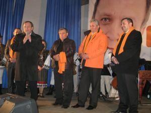 Staff-ul PD-L şi primarul PSD al comunei