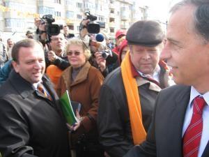 Politică: Flutur declară că Geoană e deja obosit de campania electorală