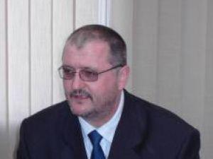 Iniţiativa acestui transfer de teren a aparţinut senatorului PD-L de Suceava Orest Onofrei