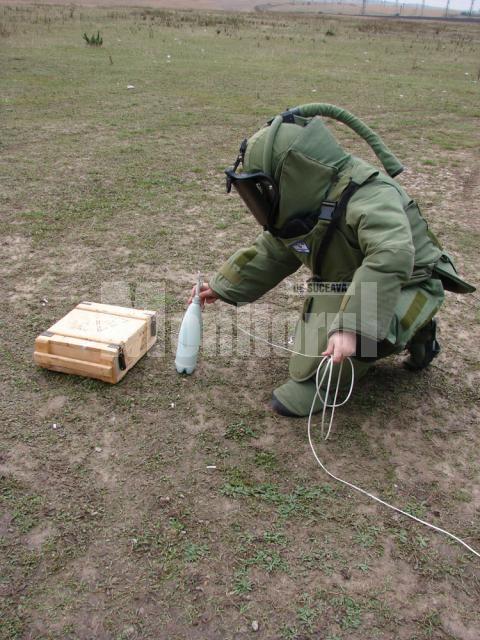 Poliţiştii suceveni au probat costumele anti-bombă