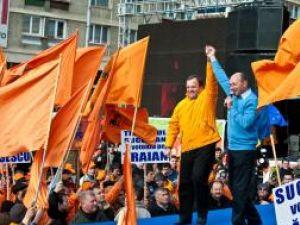 30.000 de oameni l-au ovaţionat pe Băsescu la Iaşi