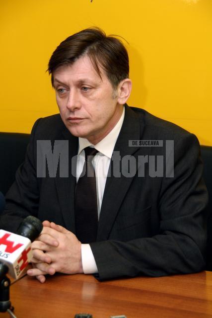 Candidatul PNL pentru funcţia de preşedinte al României, Crin Antonescu, se va afla într-o vizită electorală în judeţul Suceava