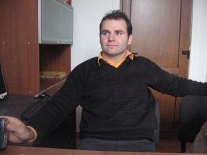 Iulian Avram susţine că el, fraţii săi şi angajaţii de la fermă au fost terorizaţi de Mircea Laurus