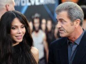 Mel Gibson şi noua lui iubită au devenit părinţii unei fetiţe
