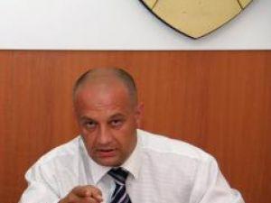 """Politică: Băişanu acuză PD-L că i-a """"aranjat"""" maşina soţiei sale"""