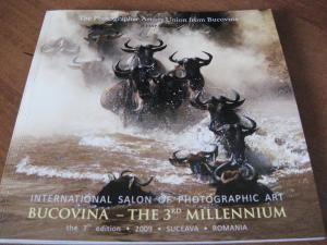 Albumul Salonului Internaţional de Artă Fotografică, într-o grafică de excepţie