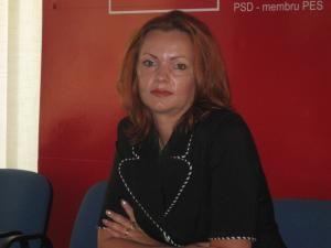 Mirela Adomnicăi a ocupat funcţia de director al Casei Judeţene de Pensii
