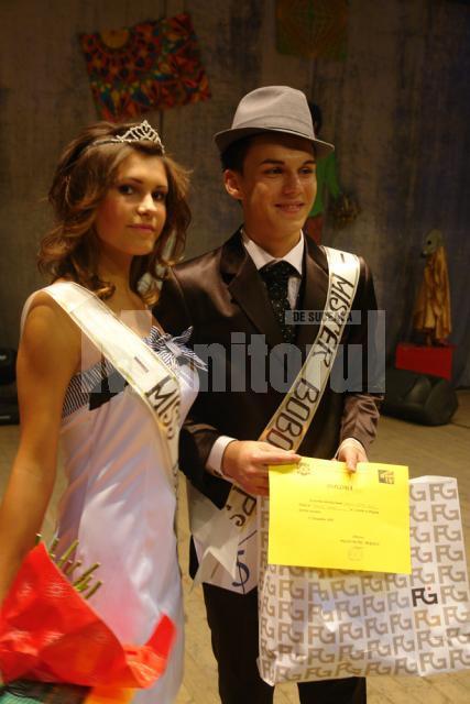 Ana Maria Munteanu şi Andrei Tcaciuc, cei mai frumoşi boboci de la Sportiv