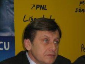Sucevenii vor primi, zilele aceasta, o nouă scrisoare din partea liderului PNL, Crin Antonescu