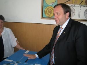 Optimism: Flutur crede că Băsescu îşi va devansa contracandidatul cu 10 la sută