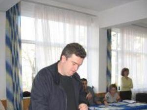 """Cătălin Nechifor a votat """"pentru un preşedinte care ştie să facă ce trebuie pentru România în situaţia"""""""