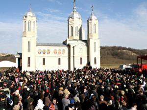 Biserica Mănăstirii Peştera Sfântului Apostol Andrei, din localitatea Ion Corvin, judeţul Constanţa. Foto: MEDIAFAX