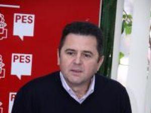 """Eugen Bejinariu: """"Domnul Todiruţ trebuie să înţeleagă că nu este în slujba PD-L, trebuie să înţeleagă că este în slujba cetăţeanului"""""""