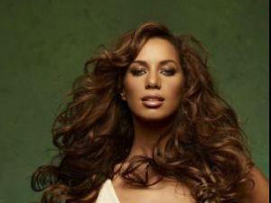 Leona Lewis şi-ar dori să scrie scenariul unui film