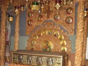 Cronica religioasă: Singura biserică din Suceava care are moaştele Sf. Nicolae îşi sărbătoreşte duminică hramul