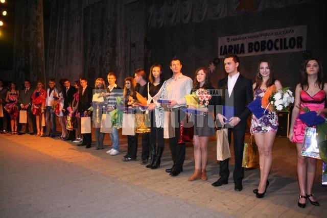 Gala Bobocilor 2009: Primarul Ion Lungu i-a premiat pe cei mai frumoşi boboci suceveni