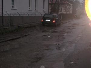 Pierderi: Avarii în lanţ la reţeaua de apă rece din centrul Sucevei