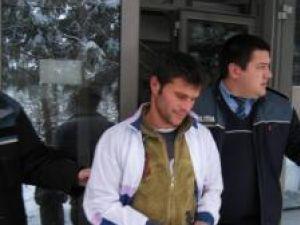 Dorel Oprea, al cincilea arestat din grupare,  adus la Parchetul de pe lângă Judecătoria Suceava