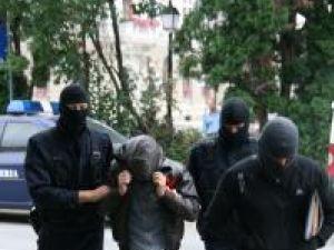 Vânzătorii de heroină au ajuns pe mâna ofiţerilor Antidrog