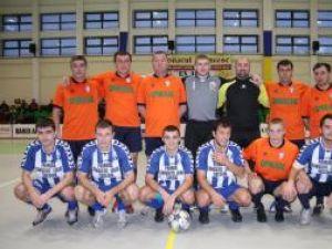 Fotbaliştii care au evoluat în meciul demonstrativ din deschiderea turneului de minifotbal