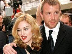 Madonna şi Guy Ritchie vor petrece Crăciunul împreună