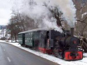 30 decembrie -3 ianuarie: Trenul de epocă din Moldoviţa îşi aşteaptă, de miercuri, călătorii