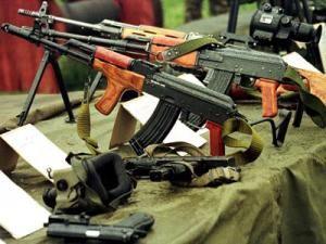 O parte din armele dispărute de la Ciorogârla au fost găsite. Foto: MEDIAFAX