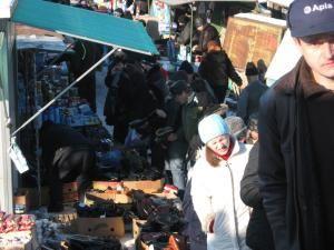 În prag de An Nou, sucevenii au invadat din nou Bazarul