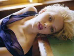 Scarlett Johansson va petrece seara Anului Nou mâncând pizza