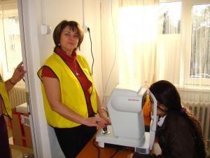 """""""Vedere clară, ochi sănătoşi"""": Control oftalmologic gratuit, pentru peste 40 de copii din centre de plasament sucevene"""