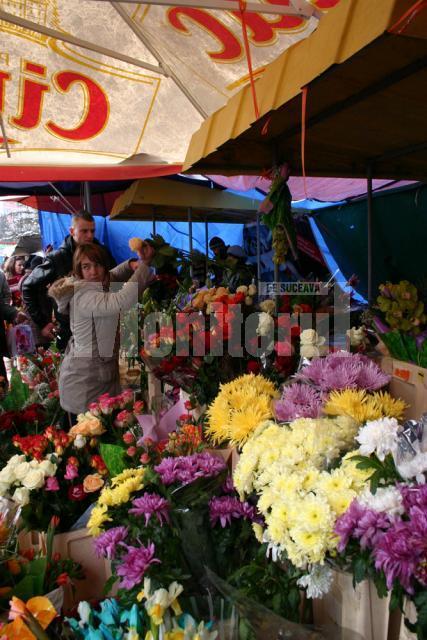 Comercianţii de flori au avut mulţi clienţi de 8 Martie
