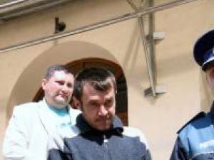 Radu Hlămagă, scos cu cătuşe la mâini din sediul Palatului de Justiţie