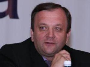 Flutur: Trebuie să găsim soluţii pentru ieşirea din criză a României