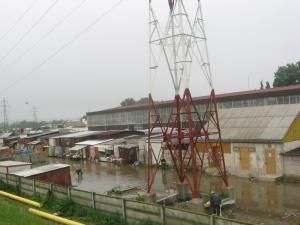 Apa a inundat o parte a Bazarului