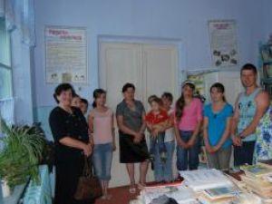 O mie de cărţi donate de suceveni au ajuns deja la copii din Republica Moldova