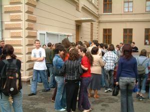 Absolvenţii de liceu au susţinut ieri ultima probă a examenului de bacalaureat