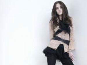 Kristen Stewart nu vrea să fie noua Angelina Jolie