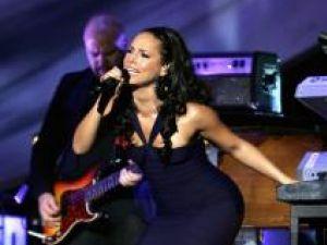 Alicia Keys, însărcinată, a căzut pe scenă, în timpul unui concert