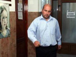 Preotul paroh de la Văşcăuţi-Muşeniţa, Gheorghe Cristinel Pînzaru a fost arestat preventiv ieri după-amiază
