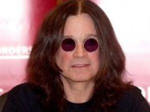 Ozzy Osbourne vrea să interpreteze rolul mamei sale în filmul despre viaţa sa