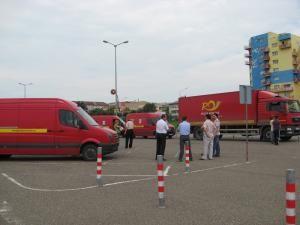 Ieri, la Suceava au ajuns camioane şi camionete cu ajutoare care urmează să fie distribuite sinistraţilor din judeţul Suceava