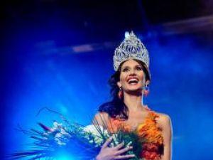 Alexandra Cătălina Filip a renunţat la coroana de Miss Universe. Foto: MEDIAFAX