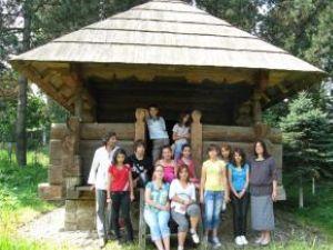 Grupul de teleormăneni în Muzeul Satului Bucovinean