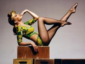 Kylie Minogue va juca rolul unei lesbiene într-un film despre două adolescente americane