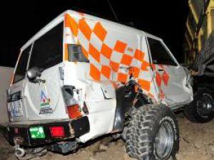 Autoturismul de teren a fost târât circa 15 metri şi avariat serios